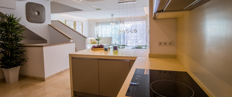 Modern and open kitchen in new townhouses at Horizon Golf