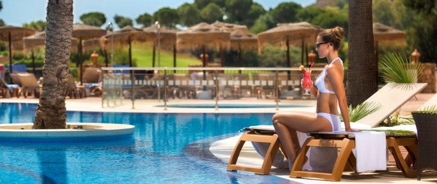 La Cala Golf Resort, piscina