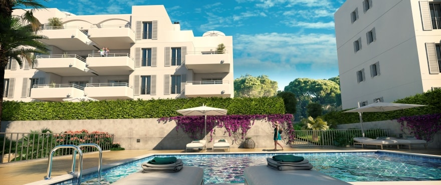 Acquamarina, pool och gemensam trädgård, vid segelklubben Cala D´Or