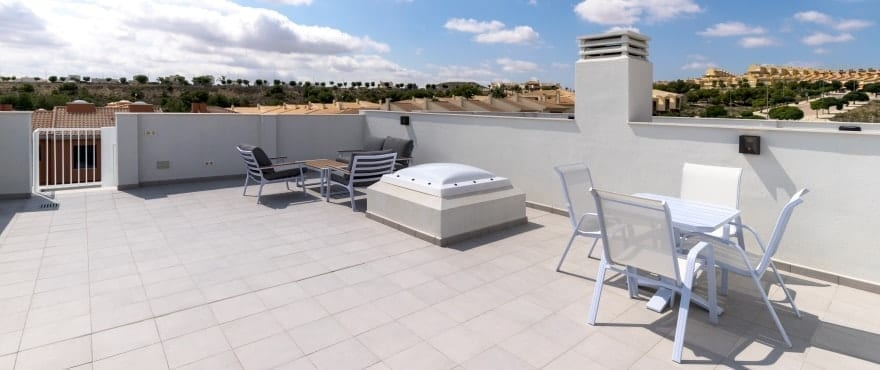 Kiruna residencial: Townhouses in Elche, Alicante: Solarium