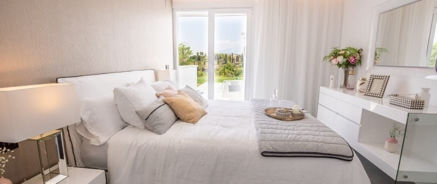 Soverom med gode lysforhold i leilighetene i Le Caprice