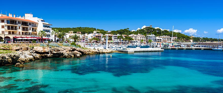 Blue Cove, new apartments and houses at Cala Lliteras