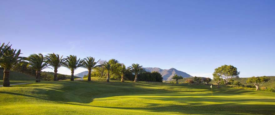 Green Golf, omgeving: Estepona Golf, de perfecte golfbaan aan de Costa del Sol