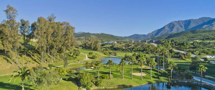 Green Golf, surrounding area: Estepona Golf, the perfect course on the Costa del Sol