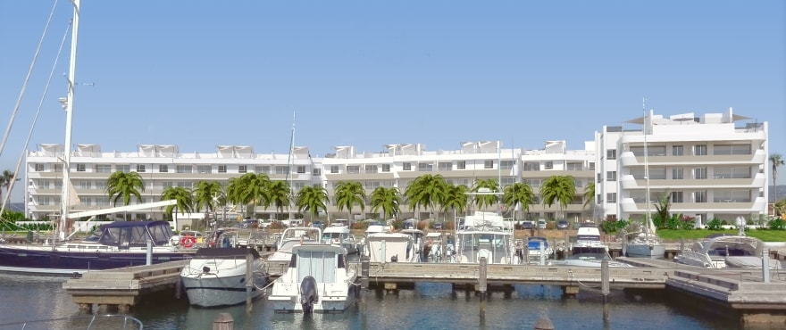 Pier, apartments for sale on the first line at Marina de Sotogrande, Cádiz