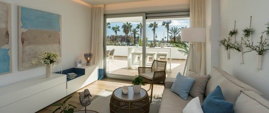 Pier, salone luminoso dei nuovi appartamenti in vendita a La Marina Sotogrande