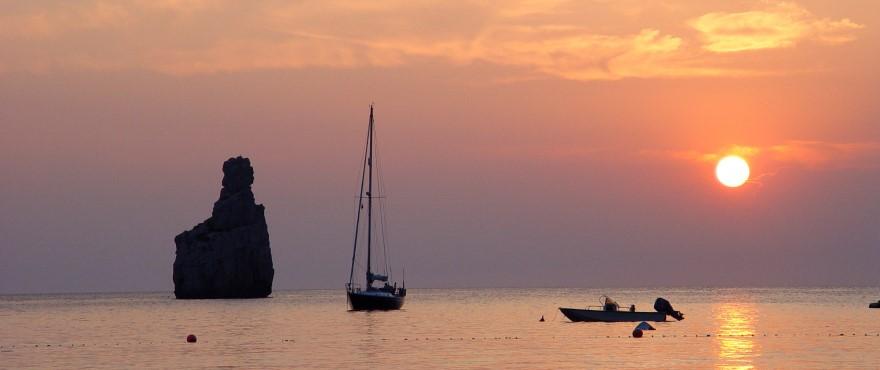 Disfruta del famoso atardecer de Ibiza desde tu nueva vivienda