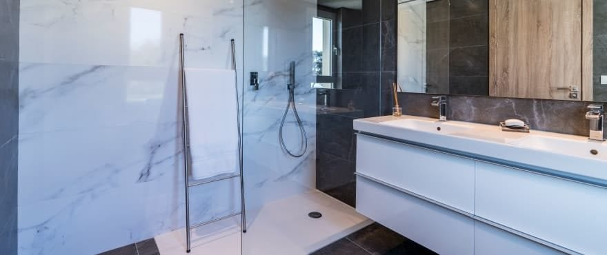 Modern full bathroom with shower at Emerald Greens, San Roque