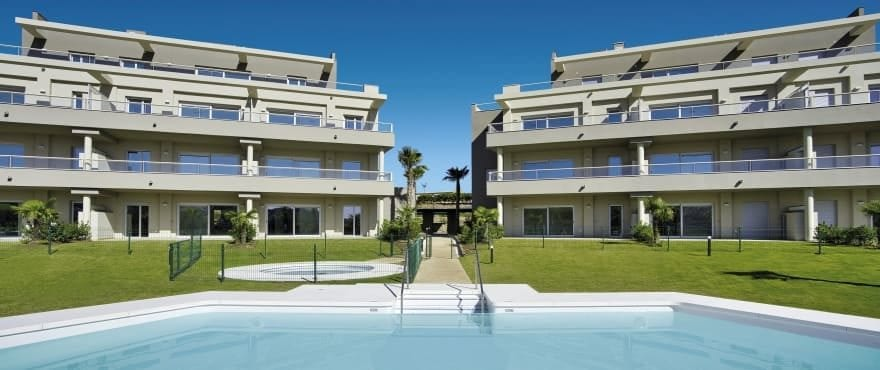 Sun Valley : Appartements en vente avec piscine commune à La Cala Golf Resort
