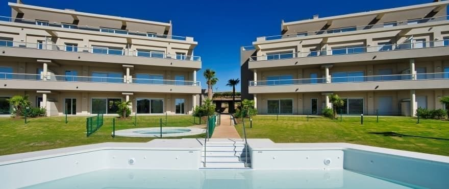 Sun Valley: Apartments for sale with communal pool at La Cala Golf Resort