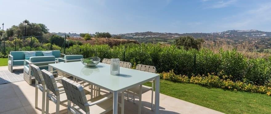Appartements avec grande terrasse et vue panoramique sur le golfe et la sierra de Mijas
