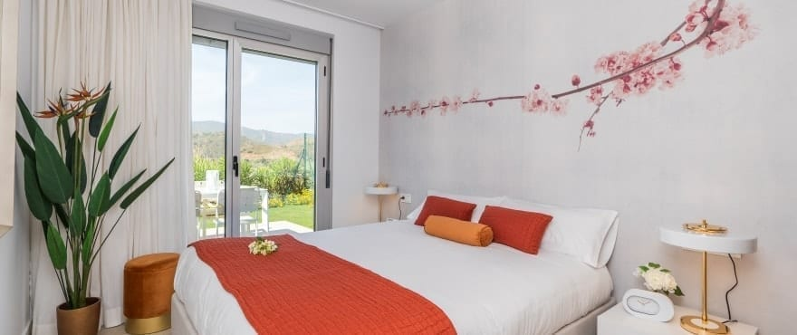 Stort och ljust sovrum i ett lungt område, La Cala Golf Resort