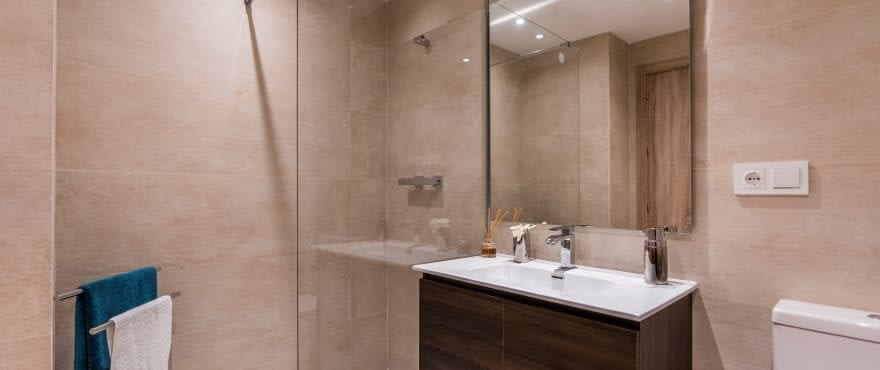 Modern fully equipped bathroom at Sun Valley, with shower screen installed