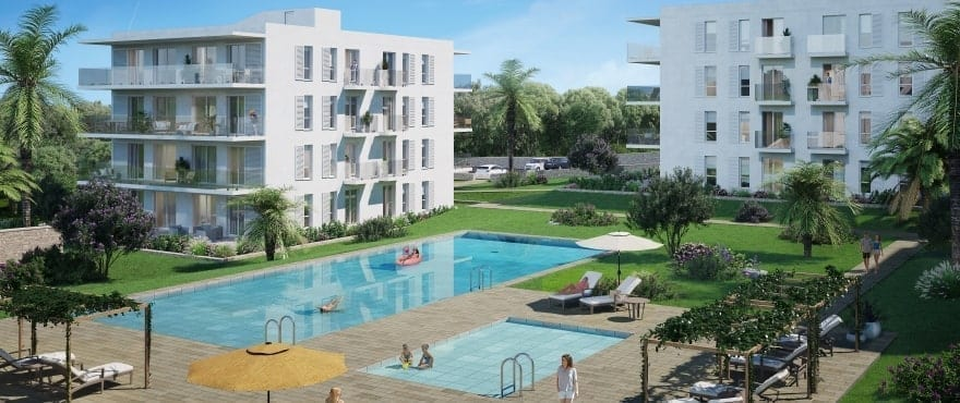 Compass, communal pool and gardens, next to the marina in Cala d´Or