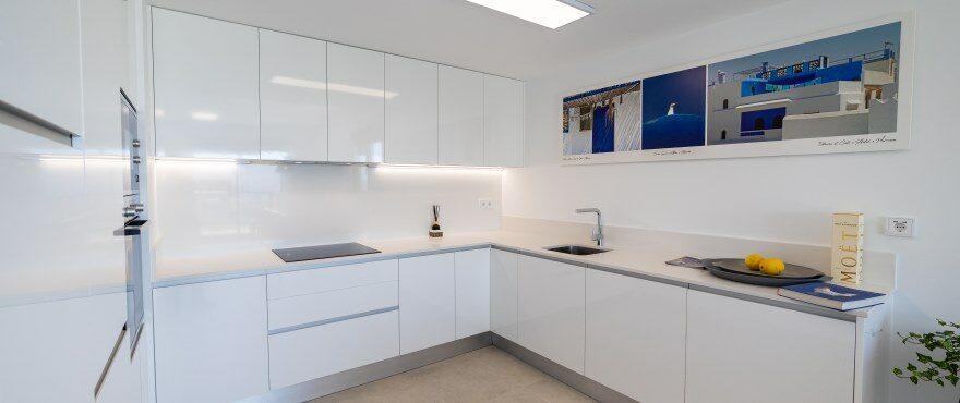 Cocina moderna en los nuevos apartamentos en venta, Iconic, Gran Alacant