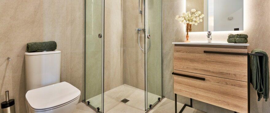 Baño completo en los nuevos apartamentos
