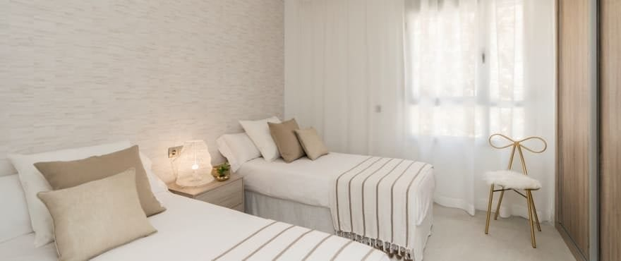 Ruime en lichte slaapkamer in een rustige omgeving, La Cala Golf Resort