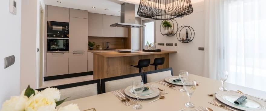 Geïntegreerde zitkamer en keuken, in Harmony
