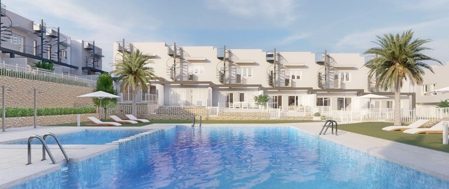 Townhouses in Elche, Alicante: New 3 bedroom townhouses for sale with communal swimming pool, 15 minutes from Alicante