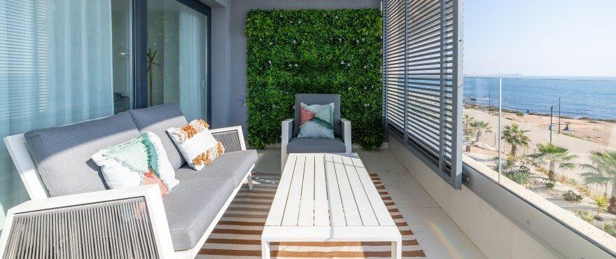 Posidonia: Terrace with sea views