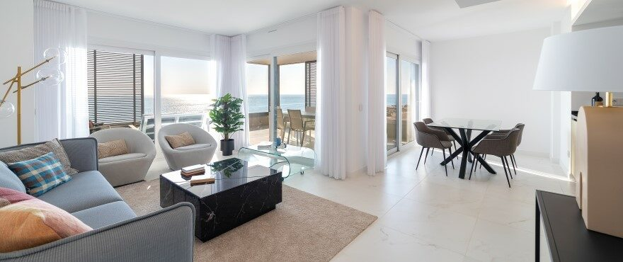 Luminous living room with views in Punta Prima, Torrevieja